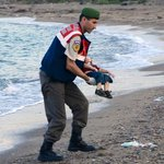 This photo is heartbreaking. The refusal of the British Government to do more to help refugees is shameful http://t.co/U8DR8drn9R