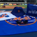 RT to enter to win a #Mets beach pack w/hat, shirt, sunglasses & beach towel! Perfect for Labor Day Weekend! #Whiff http://t.co/YCK3rTlIR5