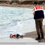 Heartwrenching image of a #Syrian #refugee child who drowned fleeing war- wake up call for #EU http://t.co/ylY4C3SBBu http://t.co/pS5sTdGB1a