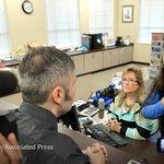 Kentucky clerk turns away another gay couple seeking a marriage license http://t.co/KXRDxqpQsJ http://t.co/EHq4IF4lK0