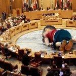 صورة تحكي الواقع المؤسف!!  أتمنى عمل رتويت لهذه الصورة لتصل للعالم. http://t.co/OwiP0RupnR