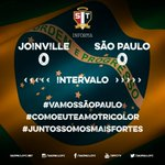 Fim de primeiro tempo na Arena Joinville #SPFC http://t.co/E1DUwSdFPP