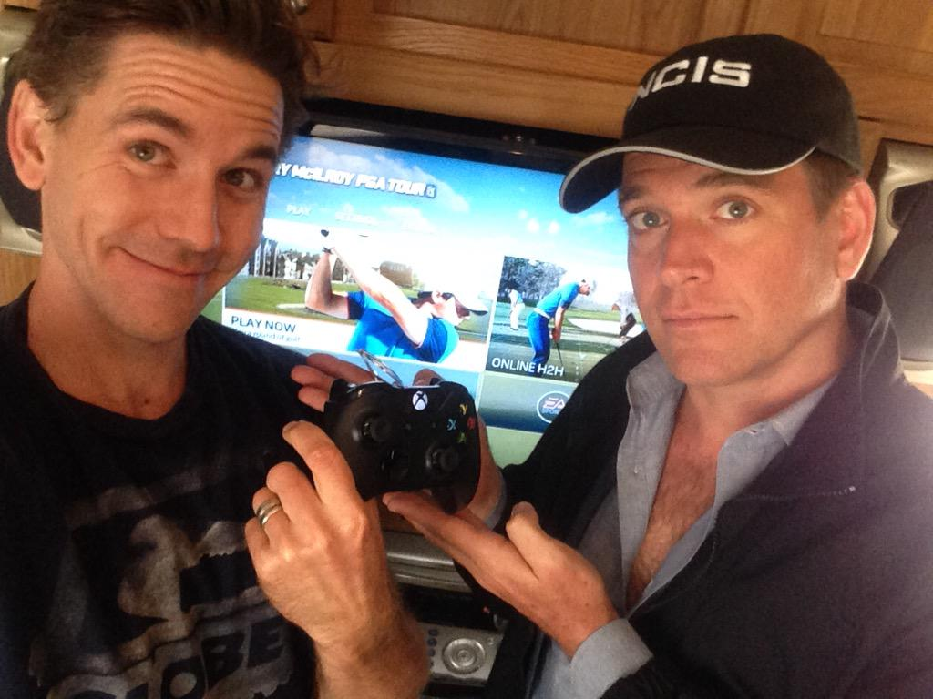 Happily passing the hours between scenes w/@M_Weatherly   Thanks @Microsoft!! http://t.co/AOk9ByDEDB