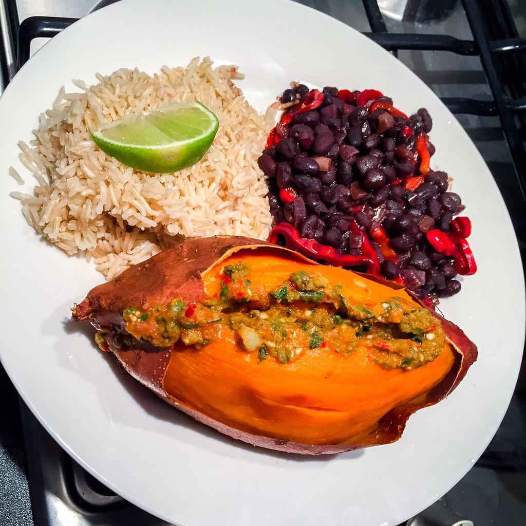RT @Biffenskitchen: Sweet potato, black beans and homemade salsa from @jamieoliver new book. 3rd one this week. #JamiesSuperFood http://t.c…