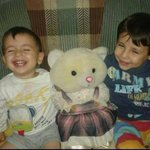 Another photo of the little Syrian boy who washed up on shore in Bodrum #Turkey. Heartbreaking. (on left) - @Qanara http://t.co/iwV4wwgCPN