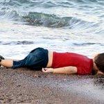 Hij heette Aylan Kurdi, kwam uit Kobani, Koerdische stad in Syrië. Hij was drie jaar en zag niets anders dan oorlog. http://t.co/OMAB3oEIKy