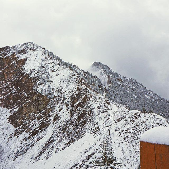 Who's ready? This was taken at @kickinghorsemtn this morning. #winteriscoming http://t.co/ITqTCE8yct http://t.co/6ixTclyAD9