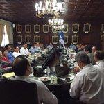 El tema de la sequía es prioridad del Estado; pdte. @JuanOrlandoH trabaja de la mano de expertos buscando solución. http://t.co/TK2E7nGuU6