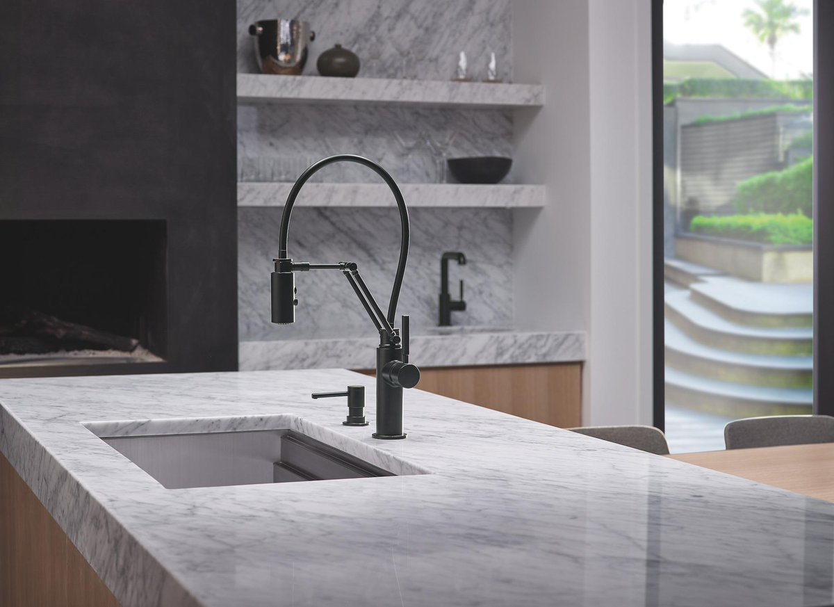 #Blogger19 @JonathanLegate made a Solna® Articulating faucet the hero in his latest #design. http://t.co/hhr3GwVyTD http://t.co/mN1zTFTvmG