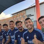 Con la banda después del entreno. Vamos Argentina!! #Houston http://t.co/9C3JhXv6ov