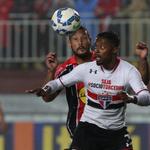 Com bolas na trave e gols perdidos, Joinville e São Paulo ficam no 0 a 0: http://t.co/7P1J1D8b4z http://t.co/aPpkrZA49R