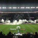 O mosaico antes do jogo foi animal! #ObrigadoFiel #CORxFLU #Brasileirão #VaiCorinthians http://t.co/PevkA3ytfU