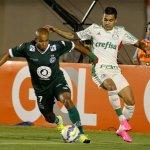 Palmeiras volta a perder chances de gol e acaba derrotado pelo Goiás por 1 a 0 http://t.co/fGI4ZliKGQ http://t.co/EPGlOZvZiA