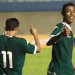 Em mais um jogo com arbitragem polêmica, Palmeiras perde para o Goiás e deixa o G-4 - http://t.co/62t637KDTI http://t.co/wK4FKGMTC0