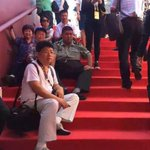 Maos grandson taking much more relaxed approach to #VDay than Chairman Xi http://t.co/rfAeSkTaYO