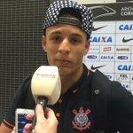 """Arana disse que """"as meninas"""" vão procurar mais o Marciel após o gol de hoje. Lateral muito feliz pela noite do colega http://t.co/GNBv1kqLYA"""