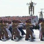 抗日式典で行進するエジプト軍。クーデターで歴史上唯一民意で選ばれたモルシ政権を潰して、国民を弾圧し続ける軍事政権、中国で意気揚々とする姿がお似合いです。こんな政権に支援を表明した日本政府は考え直した方がいい。エジプト国民を白けさせる。 http://t.co/CoJGS0ZZ1m