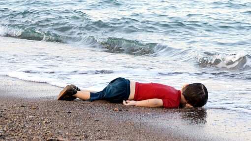 Het beeld heeft me diep geraakt,het zou je eigen kind  maar zijn #'stopdewaanzin http://t.co/Ykf47eVjkK