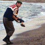 Het verhaal van Aylan (3): gevlucht voor oorlog, gestorven op weg naar vrede http://t.co/Dar7mpk8dg http://t.co/7770EMyhQ5