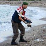 Geschokt door deze foto? Dit kunt u doen om vluchtelingen te helpen http://t.co/oA7wQRpEPm http://t.co/hLrspxaS8p