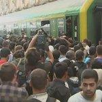 Man beachte die Aufschrift auf der Lok! #Budapest-#Keleti http://t.co/jA4dX8xAem