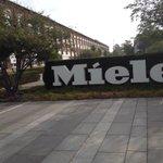 Großer Tag bei #Miele: es trifft sich die Zukunftsallianz Maschinenbau #Industrie40 @MaschinenMarkt http://t.co/kFbHikSROu
