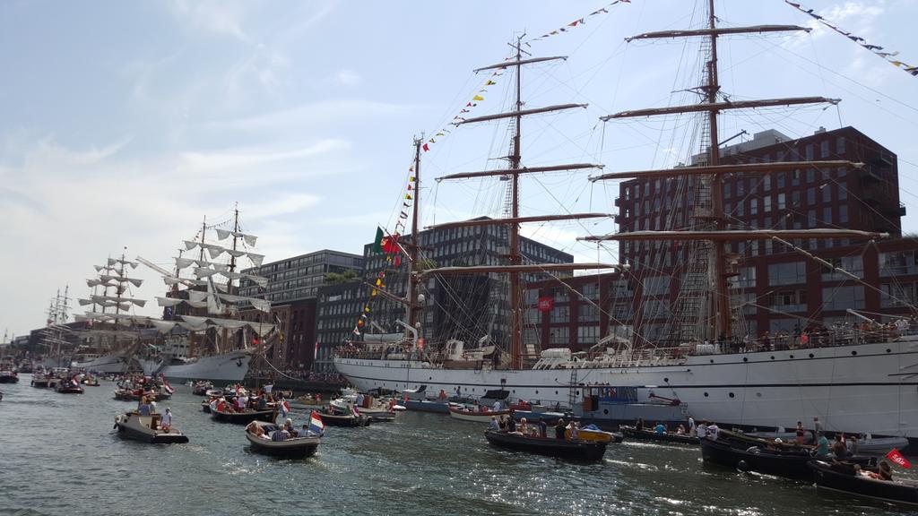 Nu op de Social Media Boot van #KPN bij #Sail. Kan geen betere aanleiding vinden om weer te beginnen met Twitter ;-) http://t.co/n0F7VRT9HC