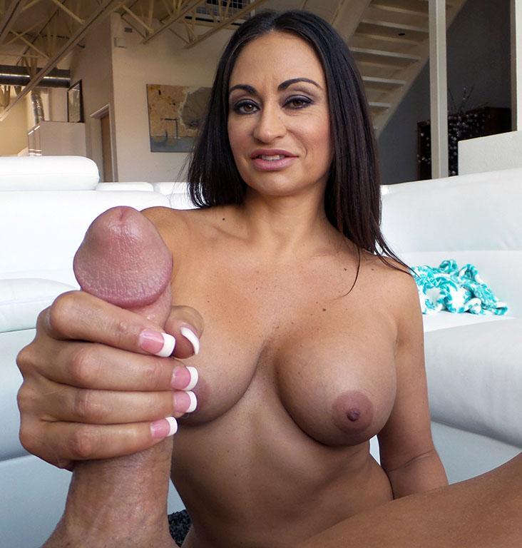 Claudia mpg handjob