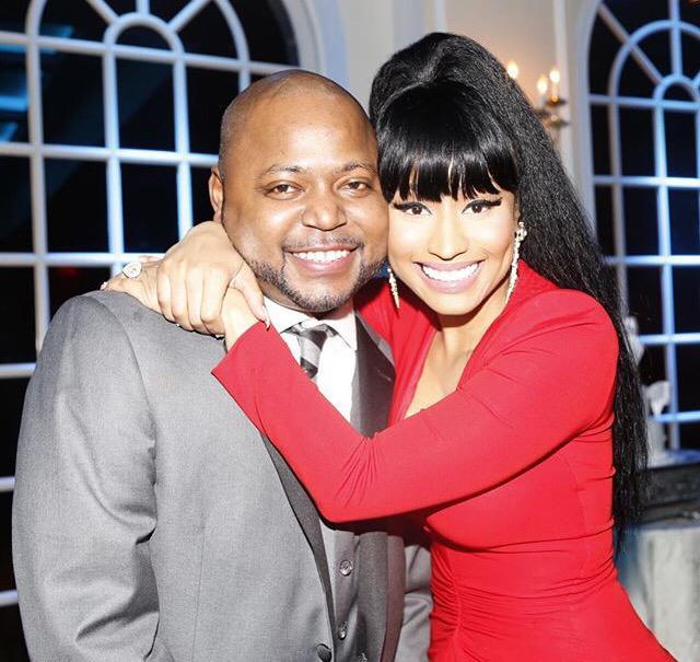 RT @PSMiNAJ: Nicki is always glowing around her Family, she looks so happy I love that☺️????????????. http://t.co/wRHRilNVHC