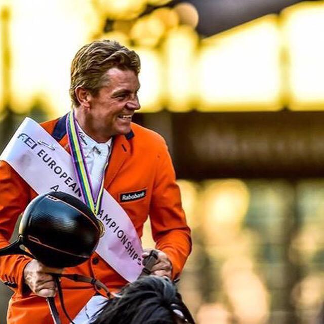 What a rider, what a champion!! Congratulations @StalDeSjiem. #OrangeIsTheNewGold @Aachen2015 http://t.co/JxRek8VTJz