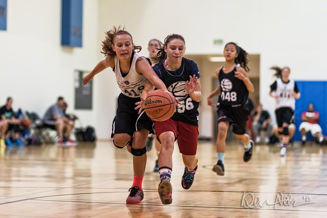 Middle schoolers Addi Wedin and Julianna Walker at Check Me Out Showcase by @CHansenBBall in Seattle. http://t.co/p9hOXdhegu