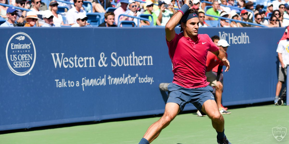 He's done it! Federer doesn't drop a service game en route to 7th #CincyTennis crown, d. World No.1 Djokovic 76(1) 63 http://t.co/Pbo7QPcbYR
