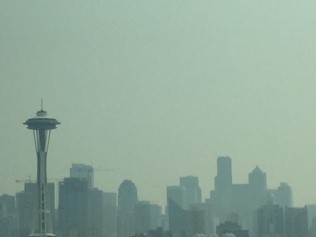 The smoke coming from the #WAwildfires #liveonkomo http://t.co/Dn4TZvOeDy