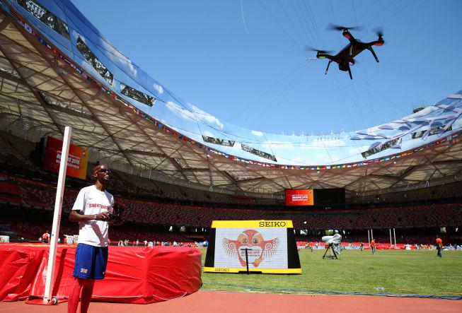 So @Mo_Farah needed a drone fast enough to keep up with @usainbolt 3DR Solo @3DRobotics http://t.co/YS3248B8zw