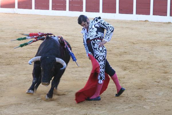 Vídeo Resumen de la tarde Goyesca de Antequera - EL PANA - MORANTE - TALAVANTE