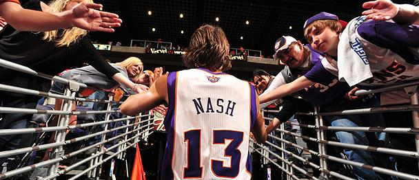 The @Suns will induct 2x #NBA MVP, @SteveNash, into the Suns Ring of Honor on Friday, October 30. Congrats Steve! http://t.co/VFeBo7PxTD