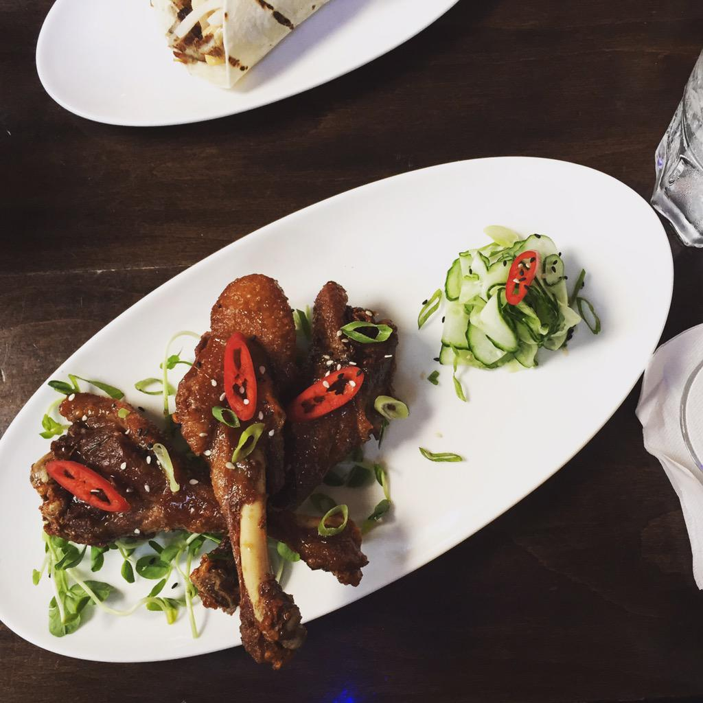 Why aren't duck wings on more menus? @GladstoneHotel's new menu has Peking-inspired ones: https://t.co/5C7EWJbjFa http://t.co/dQp2GDRpp1