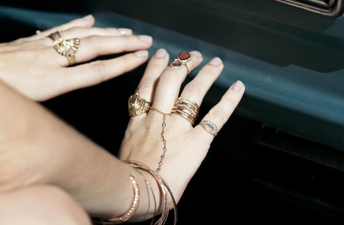 7 Times Jewelry Layering Was Done Right: http://t.co/g1wVSV2Ix2 via @Jacquieaiche & @aboutdotcom @aboutpopstyle http://t.co/8Kmm2iOAKM