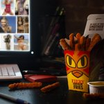 """RT BurgerKing: Hotter than your browsing history. #FieryChickenFries http://t.co/QKrOqDN3Rz"" - Donald Trump #TrumpIn2016 #Trump4Prez"