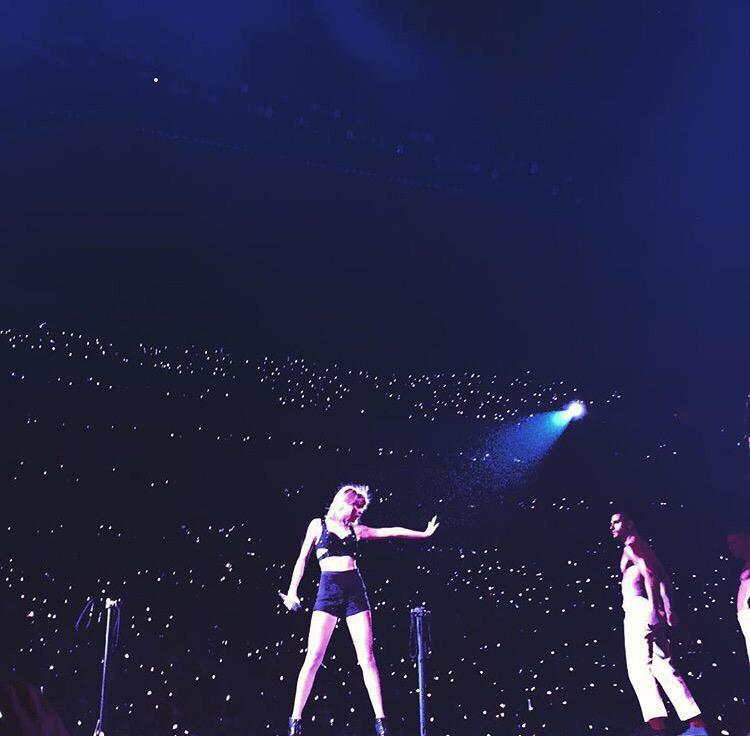 STOP. My babes. @taylorswift13 + @GiuseppeGiofre slaying in LA http://t.co/xHCI3j9P3Y