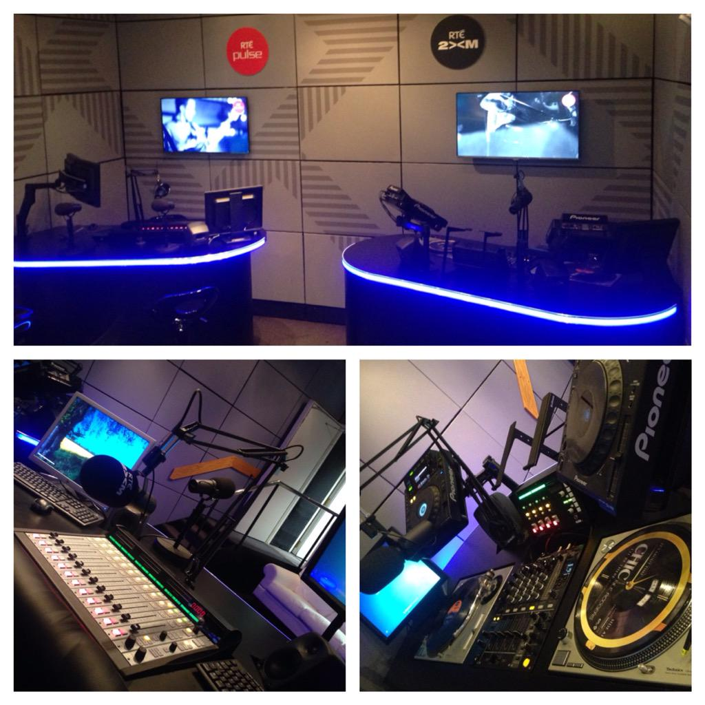 I'm live at 9 from our new studio in @RTEPulse http://t.co/Fe7iozgOS0