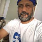 Taking of the beard I'm on my way meself @iamsrk