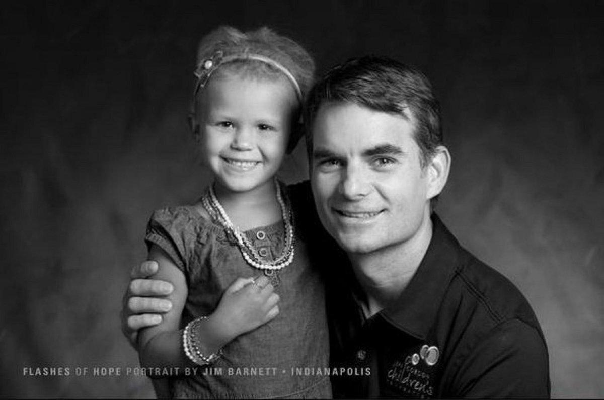 Support @JeffGordon4Cure to help those children battling cancer. More --> http://t.co/ubKEDPk1jO via @JeffGordonWeb http://t.co/VY2eb4S7Ho