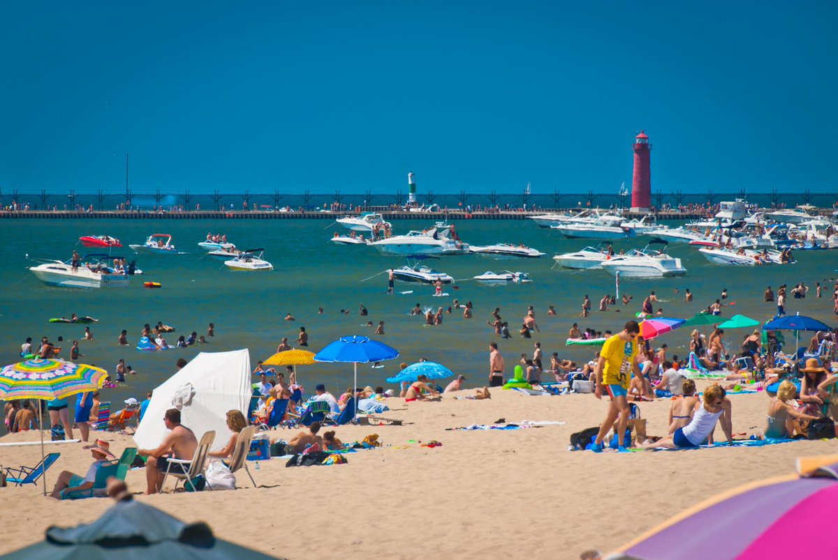 Grand Haven has been named the #1 Beachtown in Michigan! See the full list here: http://t.co/aeKjssfcNu @PureMichigan http://t.co/UQLvZIxcDW