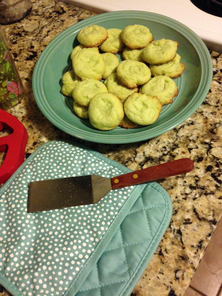 Key Lime cookies #bettycrocker #domesticated #stressrelief http://t.co/TGMThlMl2Y