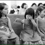 Cuando tu amiga esta haciendo el ridícula en el antro. http://t.co/Ppk5Jt5fmZ