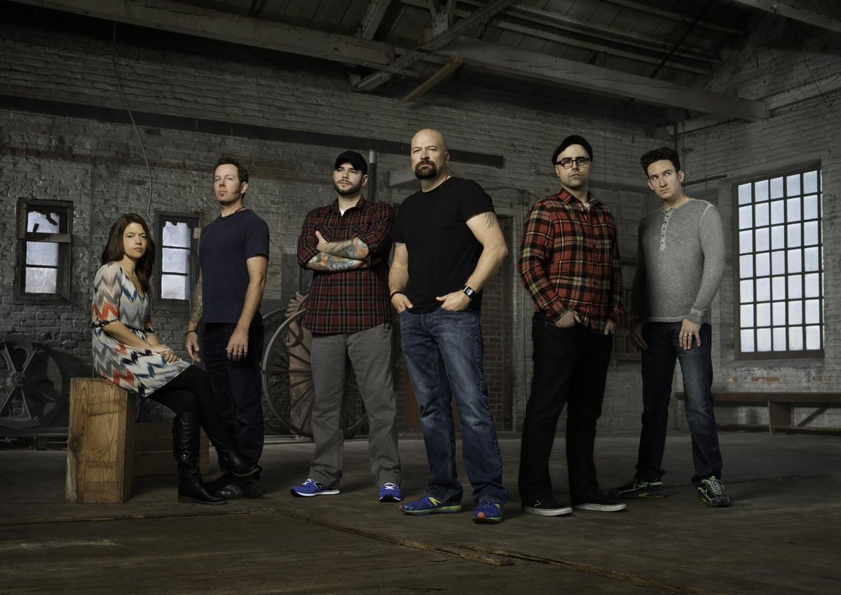 Jason Hawes of @GhostHunters reveals what really goes on behind the scenes of the SyFy show. http://t.co/wVJ2pefD9j http://t.co/jJCQxgoWv5