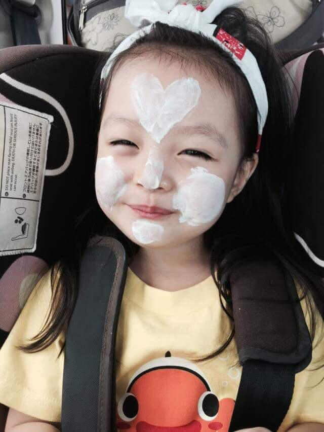 韓国の人気美少女 #재은 ちゃん可愛すぎるねぇ。  #ジェウン ちゃんジェウンちゃんっ。  ママも美しや。  https://t.co/3mkBxwzKXT http://t.co/ecbAAJQUVq
