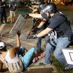 ¿Por qué la comisión interamericana de DDHH no se pronuncian por los abusos en EEUU? #MaduroVictoriaEnLaFrontera http://t.co/lI2GIcH4YM