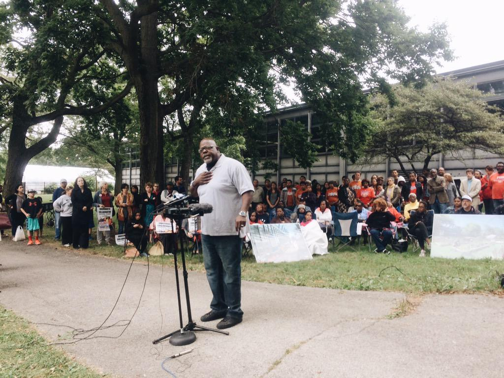 """""""We're tired of schools that have been sabotaged from the very beginning…"""" http://t.co/JRTO6S3aFb #FightForDyett http://t.co/SyOjGHLPsd"""
